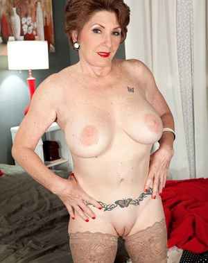 Mature Shaved Pussys 63